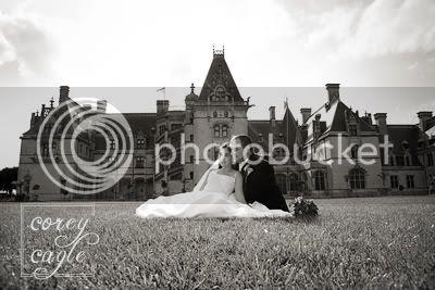 Biltmore Estate Front lawn wedding photo