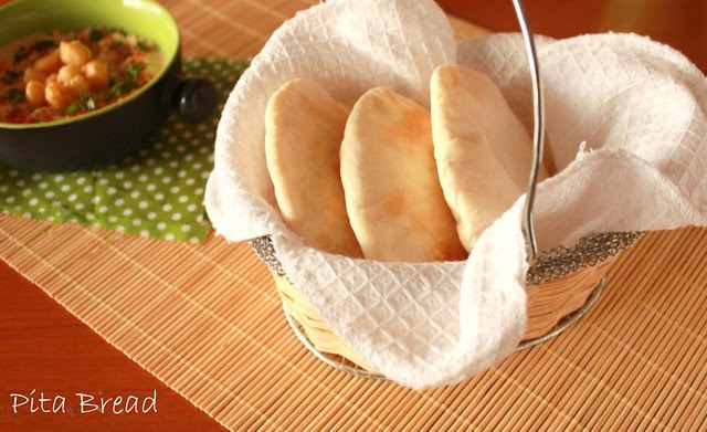 pita with hummus8