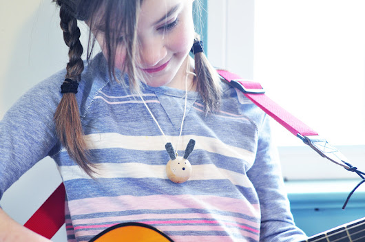 Making: Wooden bead bunny necklaces - MommyCoddle