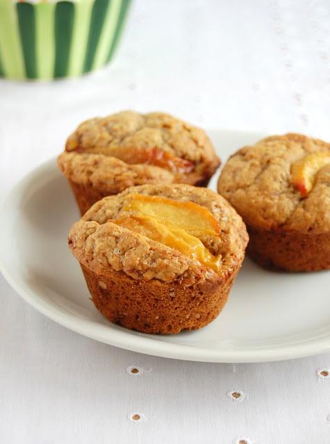 Ginger peach muffins / Muffins de gengibre e pêssego