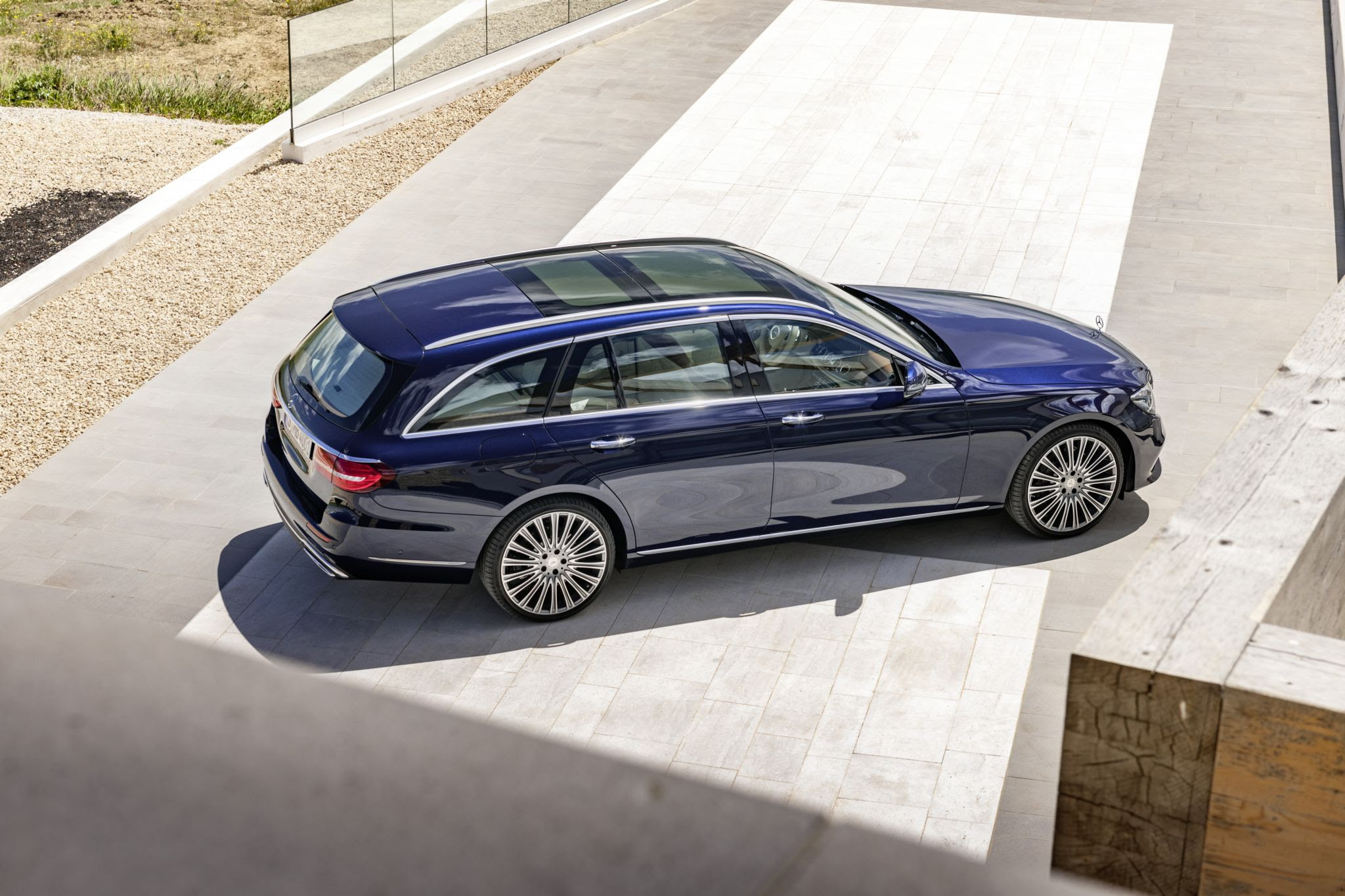 2017 Mercedes-Benz E-Class Wagon Is Both Spacious and ...