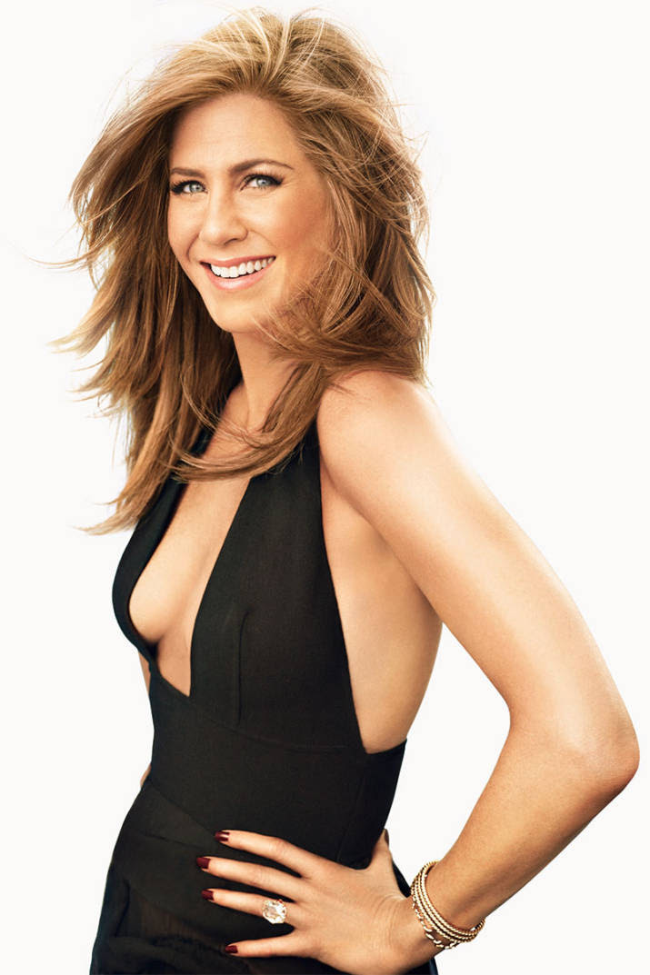54d120e976151 hbz jennifer aniston december january 2015 07 94587895 md