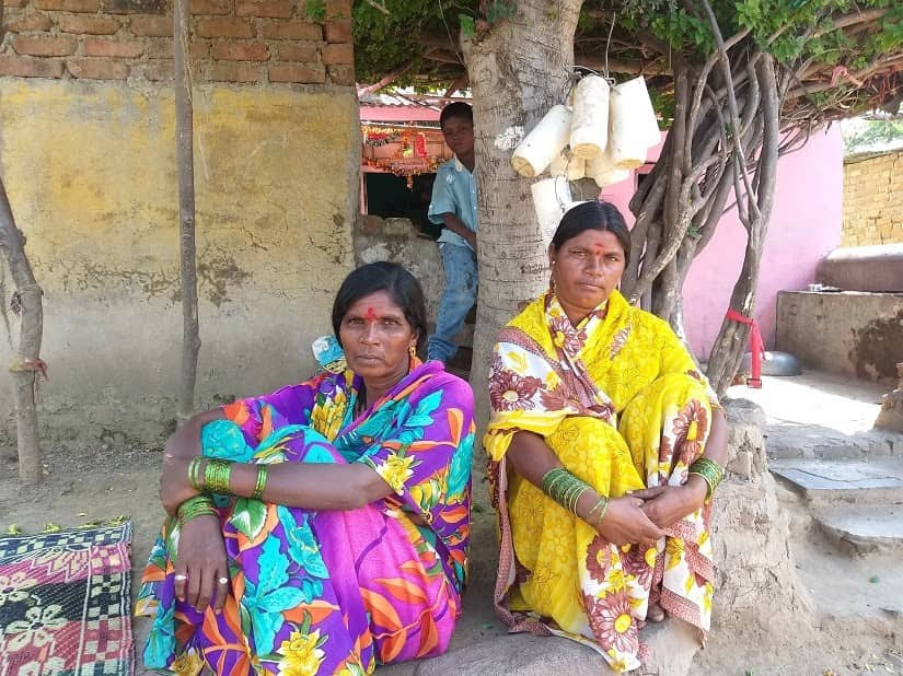 Alka Barde (left) and Tarabai Mali in Beed's Brahmagaon say the Bhil community has decided not to vote in the upcoming Assembly elections. Firstpost/Natasha Trivedi