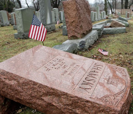 Muslims raise $78,000-plus for vandalized Jewish cemetery in Missouri