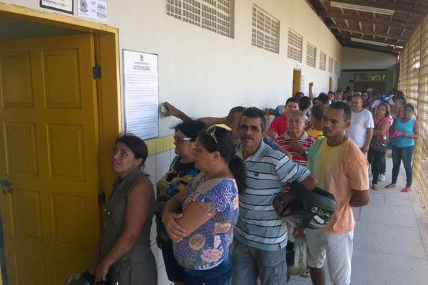Votação no colégio 15 de Outubro, na zona Norte de Natal, começou pontualmente às 8h