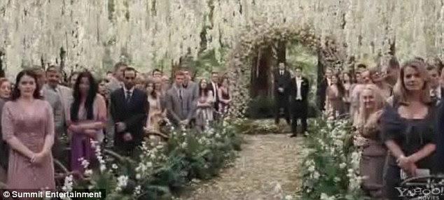 Κόβουν την ανάσα: Το σκηνικό έχει στηθεί για το ρομαντικό γάμο