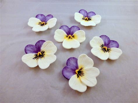 6 gumpaste pansies, sugar flowers for cake decorating