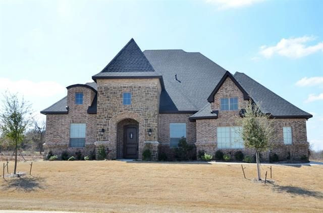 717 Falls Creek Ct, Burleson, TX 76028  Home For Sale and Real Estate Listing  realtor.com®