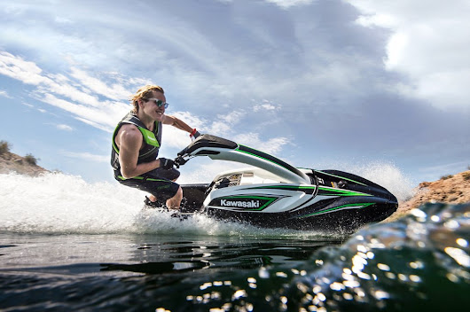 Kawasaki introduces stand-up Jet Ski SX-R for 2017