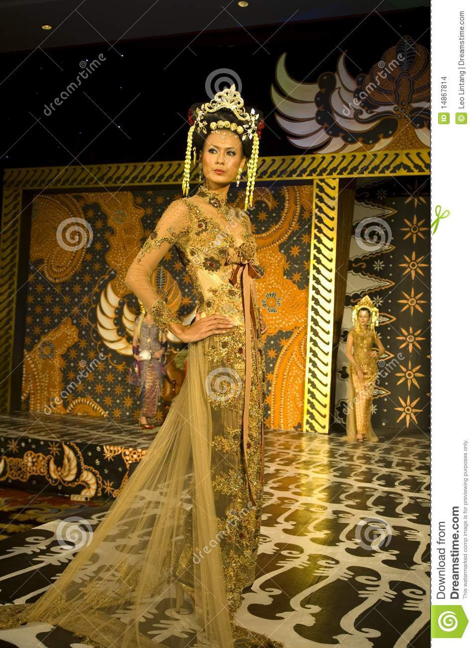 Indonesian Culture Fashion Show Editorial Stock Image  Image: 14867814