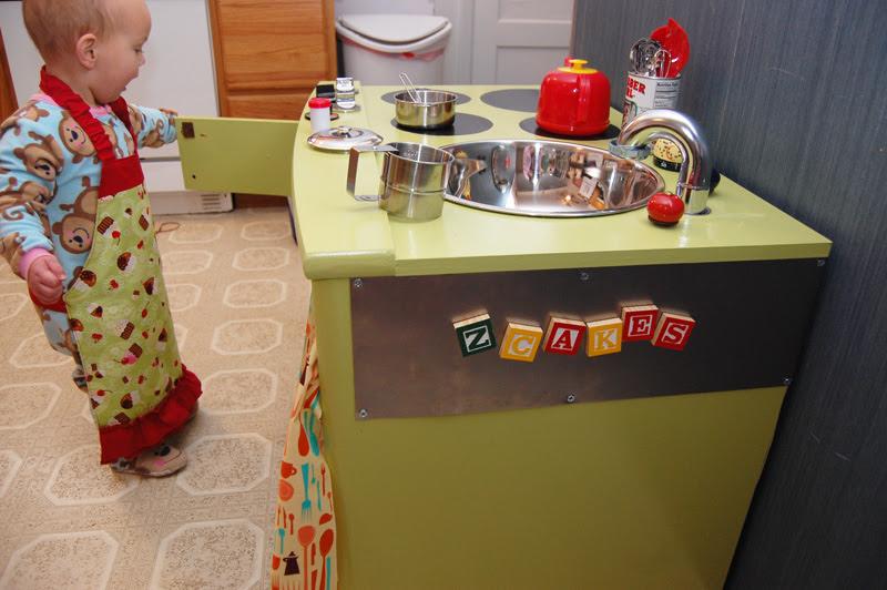 Play Kitchen_12