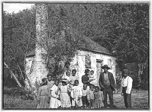 The Whole Black Family at the Hermitage, Savannah, Georgia - between 1900 and 1910