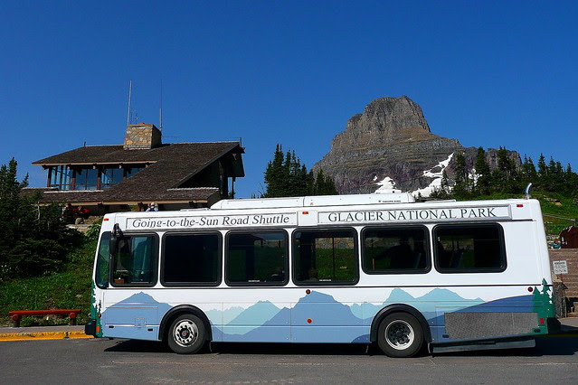 P1170805_2 Shuttle Bus and Clements Mountain at Logan Pass