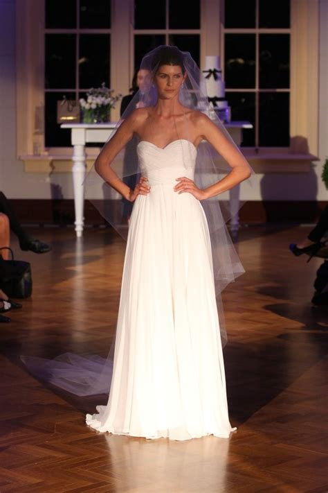 Alex Perry Grace Gown New Wedding Dress on Sale 30% Off