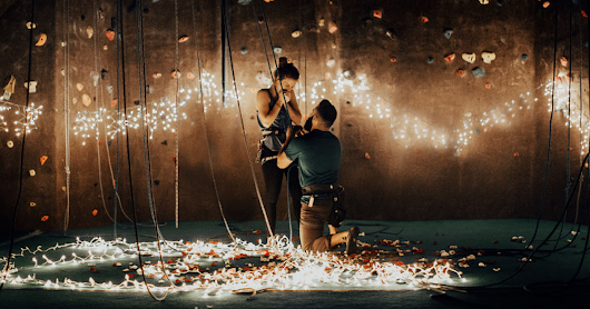 Rock Climber Proposes To His Girlfriend In The Most Romantic Way Ever