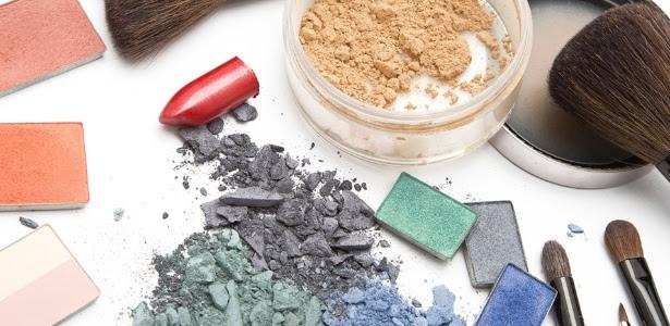 Para não prejudicar a saúde, o visual ou o meio ambiente, é importante ficar de olho no prazo de validade e descartar corretamente os cosméticos