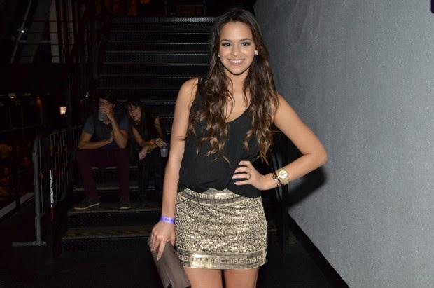 Bruna Marquezine em show de Anitta (Foto: Léo Marinho / AgNews)