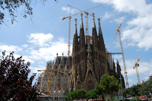 6 historic Barcelona attractions families will love - Tin Box Traveller