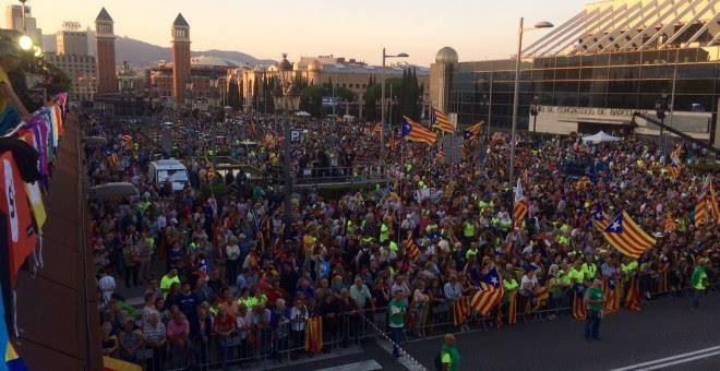 Miles de personas en el mitin a favor del 'sí' en el referéndum. EUROPA PRESS