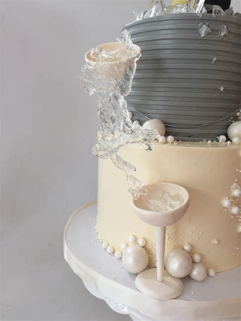 2 Tier Ultimate Champagne Cake   Le Dolci