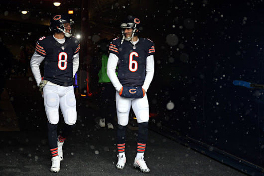 Bears bench Jay Cutler, will start Jimmy Clausen on Sunday