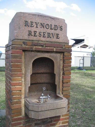 Reynold's Reserve Drinking Fountain, Carlton
