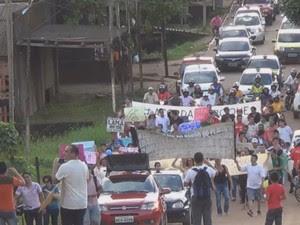 Moradores realizara protesto na sexta-feira para cobrar melhorias em BR (Foto: Cassio Albuquerque/G1)