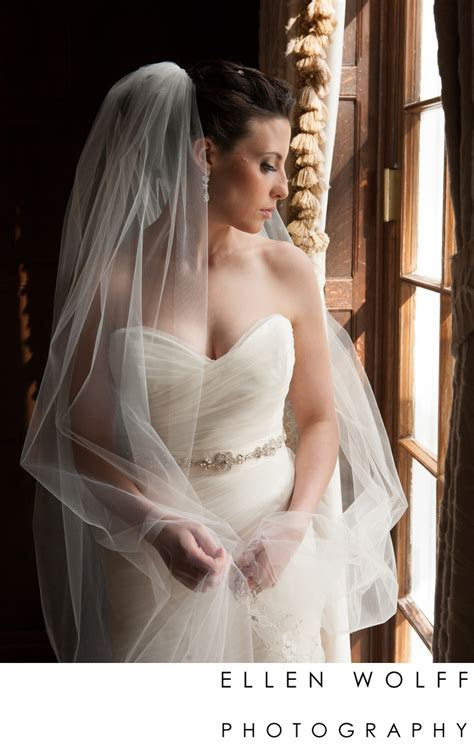 portrait of a bride at the muttontown country club   Ellen