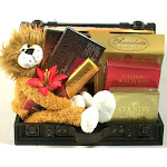 Go Wild Trunk with Leo the Lion Gift Basket GI642310