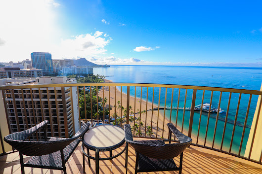 Hilton Hawaiian Village Full Resort and Rainbow Tower Room Tour – It's a Lovely Life!