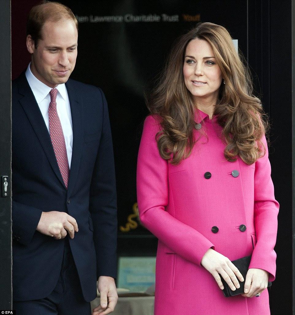 Książę i księżna Cambridge w Stephen Lawrence Centre / Książę Karol odwiedził szpital + więcej.
