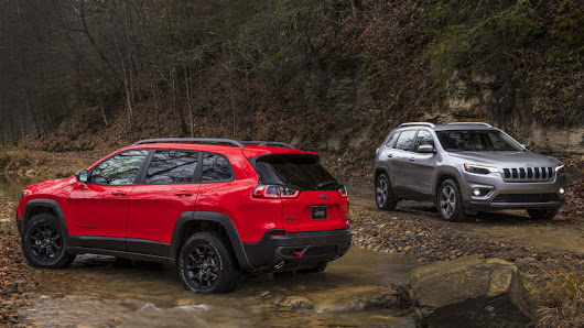 2019 Jeep Cherokee | All-new engine and a refreshing new face - Autoblog