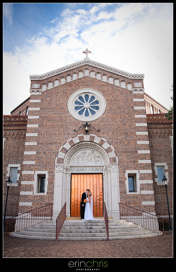 Bride and Groom wedding photo in in St. Petersburg, Florida.