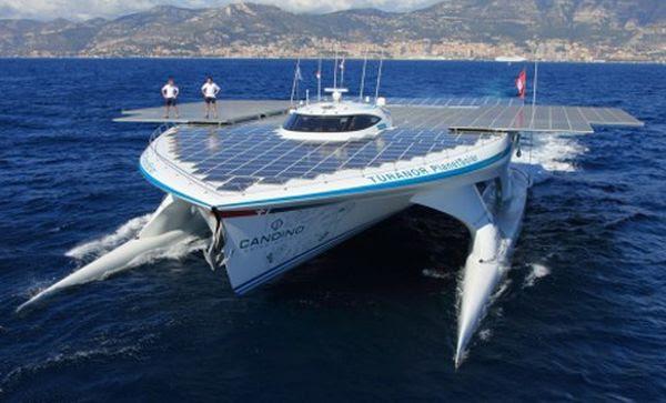 planet-solar-boat-cancun