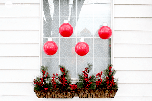 How To Make Simple And Festive Oversized Ornaments