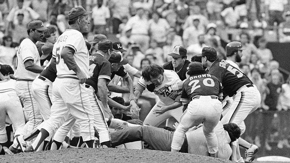 Braves-Padres-brawl-AP.jpg