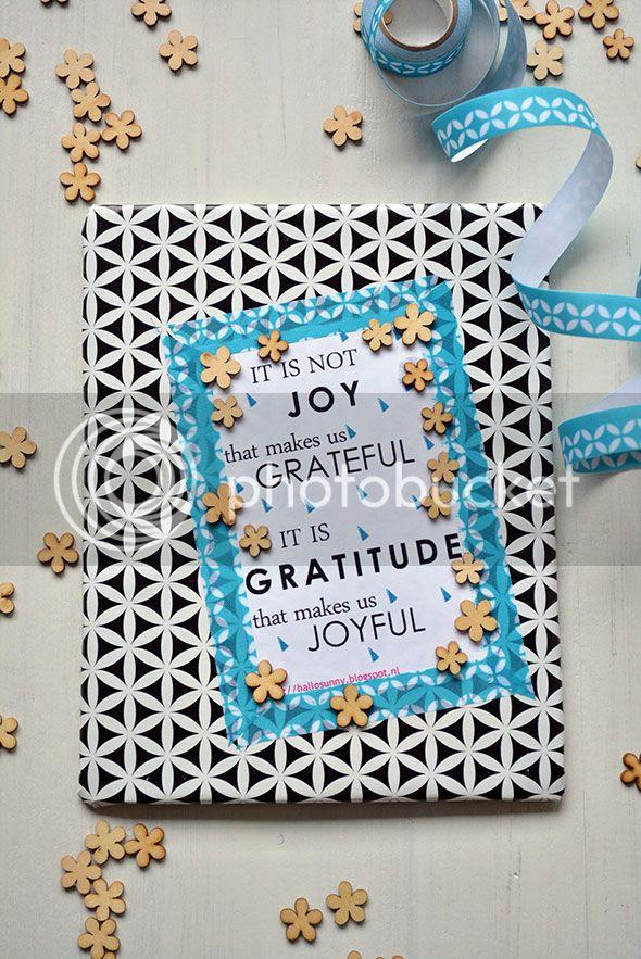 Versier de voorflap van je dankbaarheidsdagboek.