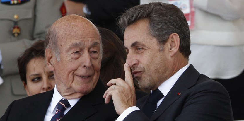 VGE et Nicolas Sarkozy durant la cérémonie de commémoration du débarquement le 6 juin 2014. (c) AFP
