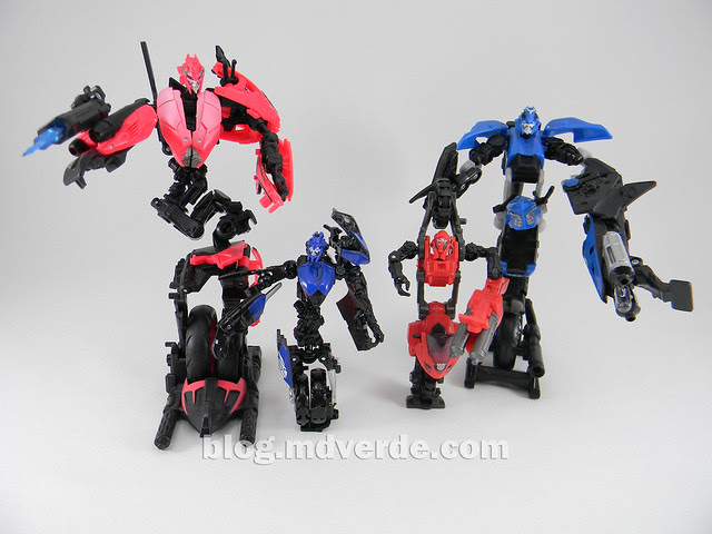 Transformers Chromia RotF Human Alliance - modo robot vs Chromia Deluxe y Arcees