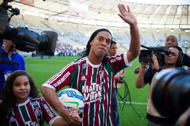 Diogo Olivier: Ronaldinho não vai pendurar as chuteiras Bruno Haddad/Fluminense/Divulgação