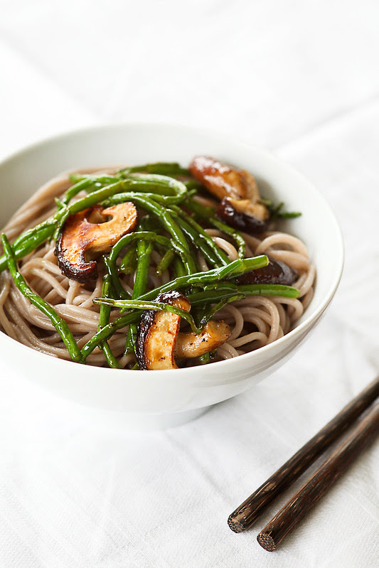 soba noodles with sea asparagus and shiitake