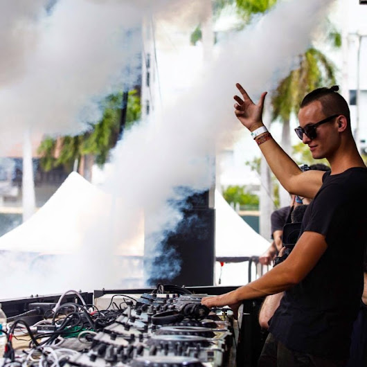"MAKJ and OT Genasis Perform ""CoCo"" At Ultra Music Festival"