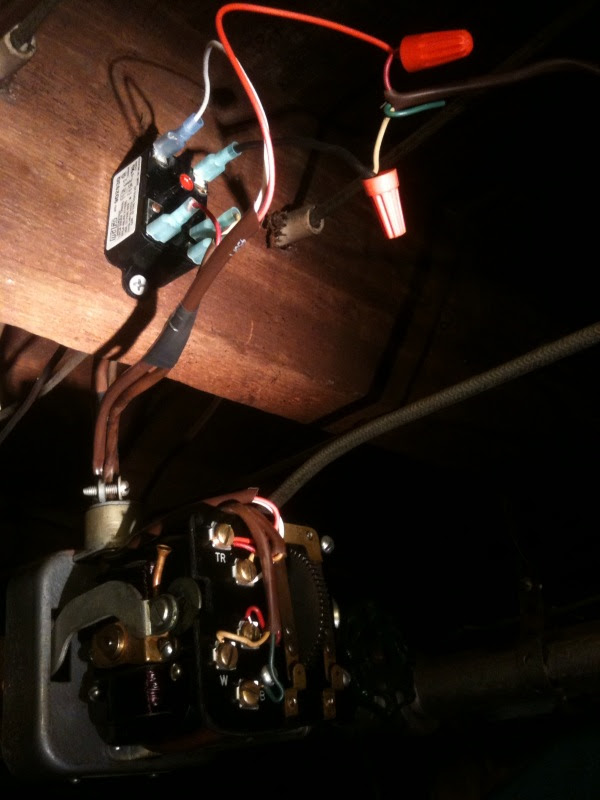 Control a 3-wire zone valve with a 2-wire thermostat ...