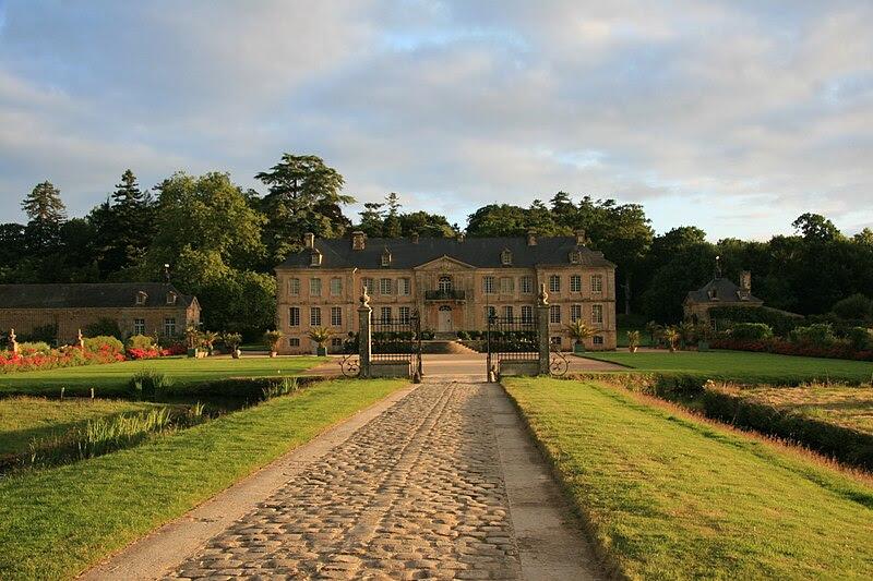 Fichier:Chateau de Pont-Rilly 01.jpg