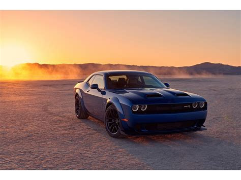 dodge challenger rt rwd specs  features