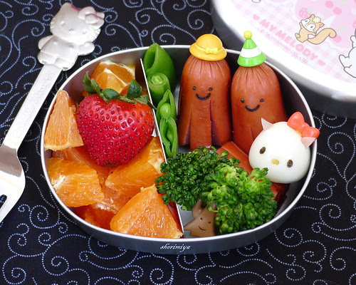 Hello Kitty and Octodogs Bento by sherimiya ♥