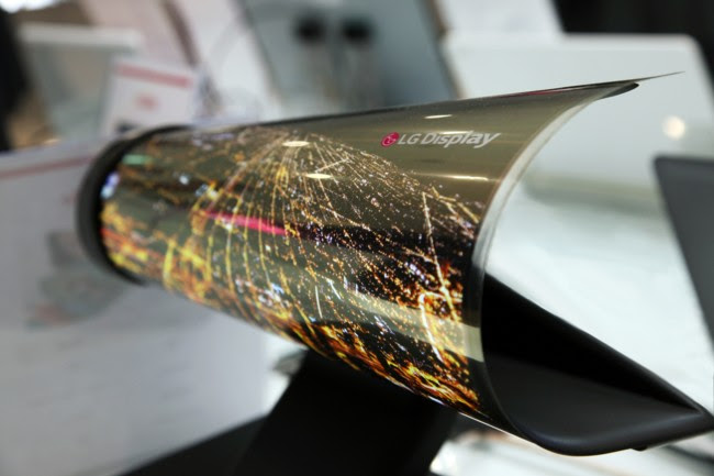 Ces 2016 18 Inch Rollable Oled