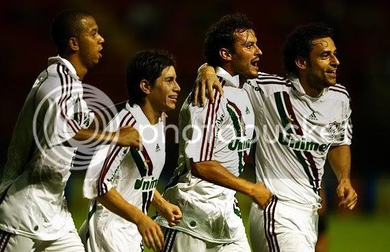 Fluminense venceu, mas não saiu da zona