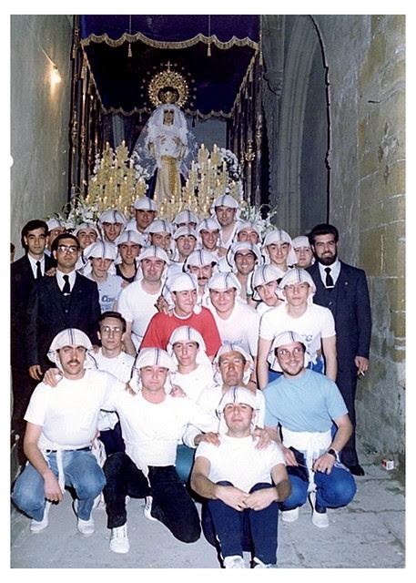 Costaleros de la primera salida procesional-1986 a