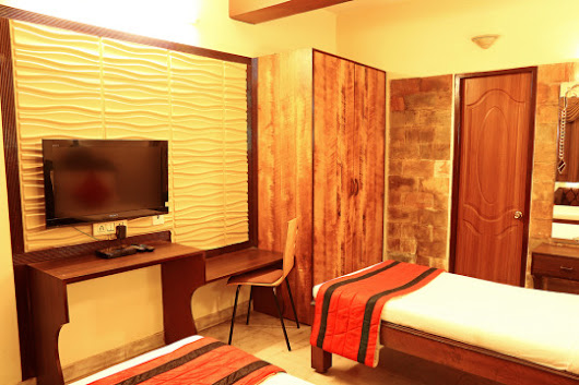 What is the Key to Spotting a Budget Guest House in Kolkata?